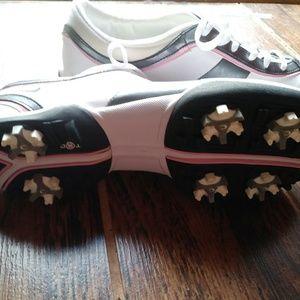 Nike 9.5 woman's golf shoes